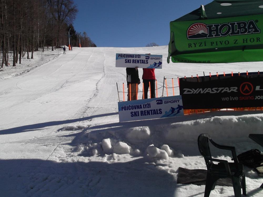 z důvodu špatných klimatických podmínek a nedostatečnému zájmu o lyžování   b057853f0b